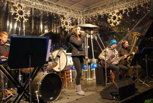 Nastop Malega pihalenga orkestra ob prižigu lučk, Krekov trg 17. 12. 2017-2