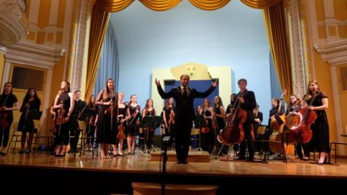 Pomladni koncert Mladinskega godalnega orkestra