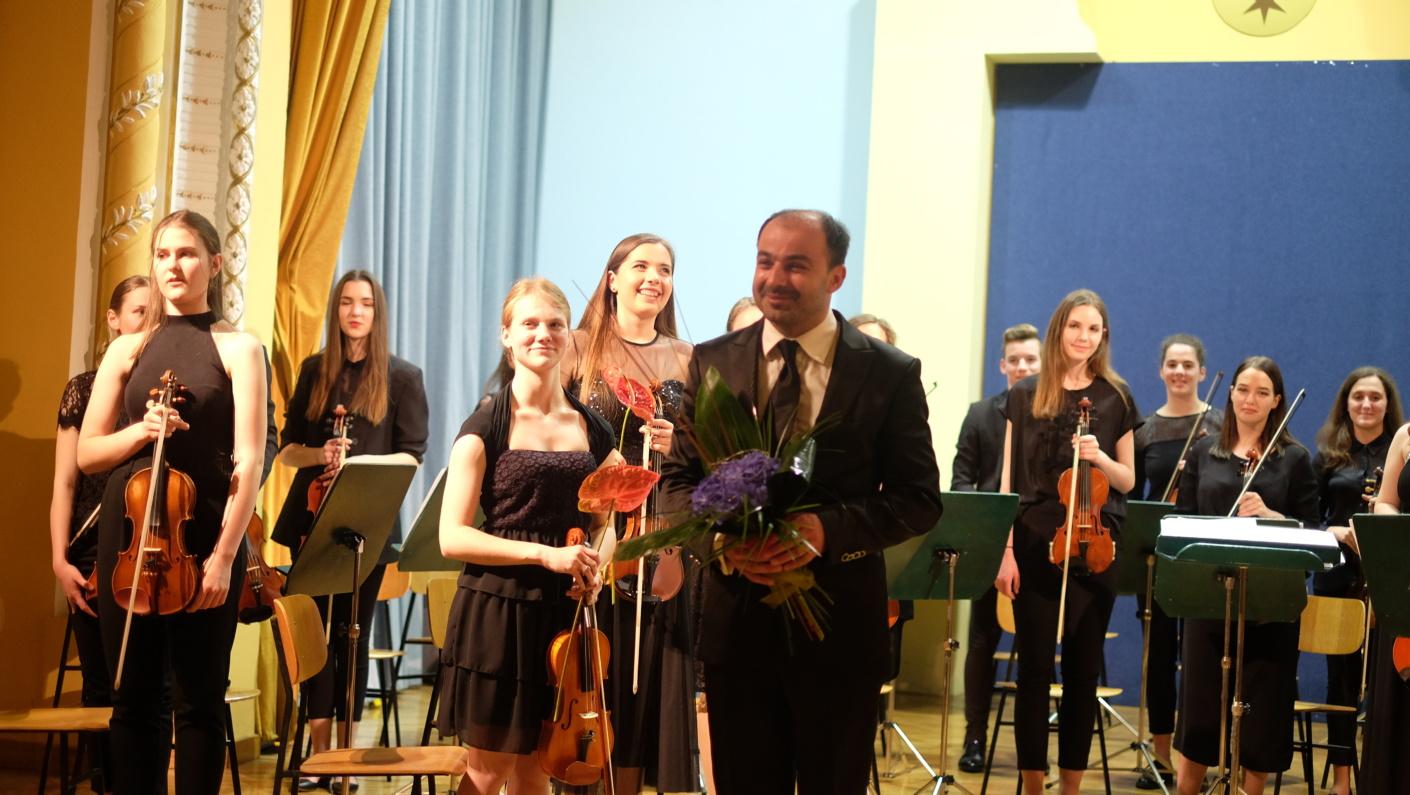Oto Pestner, pevec - Nude in Simfonični orkester, koncert